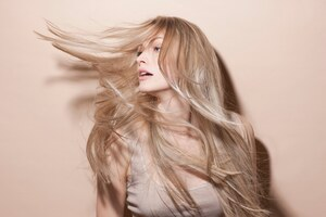 Long Blonde Hair Model Wallpaper