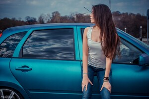 Long Hair Women With Cars