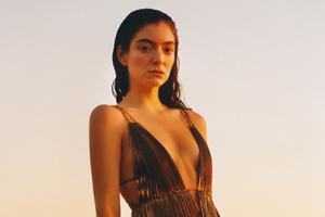 Lorde Vogue 2021 Wallpaper