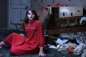 Madison Wolfe In The Conjuring Movie Wallpaper