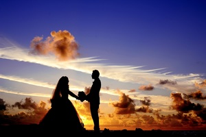 Maldives Sunset Married Couple Wallpaper