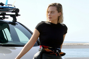 Margot Robbie Ambassador Of Nissan Wallpaper