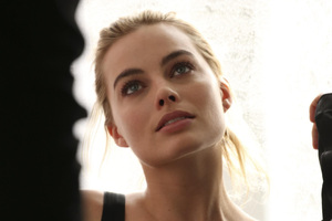 Margot Robbie Calvin Klien Wallpaper