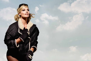 Margot Robbie Chanel 5k Photoshoot Wallpaper