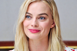 Margot Robbie Smiling 4k