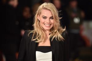 Margot Robbie Smiling Cute 4k
