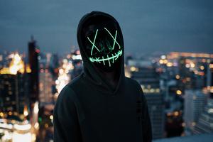 Mask Guy Neon 5k