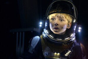 Max Jenkins In Lost In Space