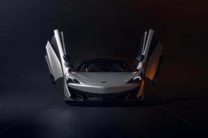 McLaren 600LT Windows Up