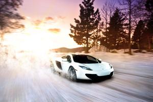 Mclaren In Snow
