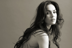 Megan Fox 2019 Monochrome Wallpaper