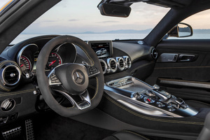 Mercedes AMG GT S 2017 Interior