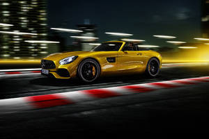 Mercedes AMG GT S Roadster 2018 Side View