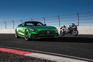Mercedes Amg Gtr And Yamaha R1 Wallpaper