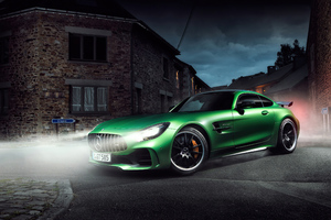 Mercedes Benz AMG GT R Night