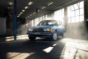 Mercedes Benz W123 Classic Car Wallpaper
