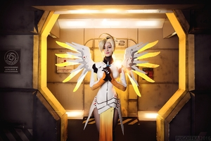 Mercy Cosplay Overwatch Wallpaper