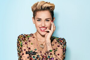 Miley Cyrus 2 Wallpaper