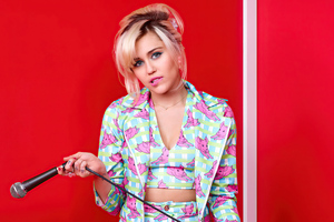 Miley Cyrus Billboard 2020 Wallpaper