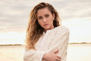 Miley Cyrus Vanity Fair 2020 Wallpaper