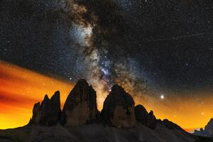 Milky Ways Setting Behind The Tre Cime Di Lavaredo 8k