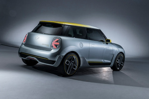Mini Cooper Electric Concept 2017 Rear