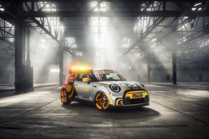 MINI Electric Pacesetter 2021 Side View Wallpaper