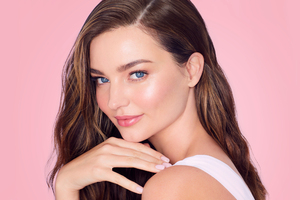 Miranda Kerr 2020 Model Wallpaper