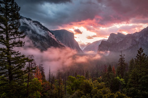 Misty Yosemite Wallpaper