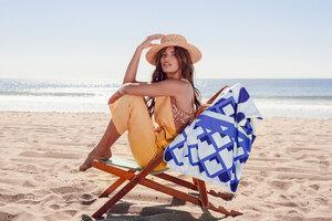 Model Outdoor In Beach Wallpaper