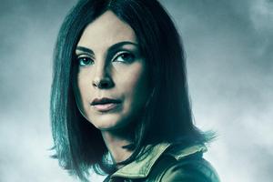Morena Baccarin As Leslie Thompkins In Gotham Season 5 Wallpaper