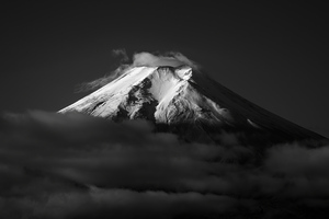 Mount Fuji Monochrome Wallpaper