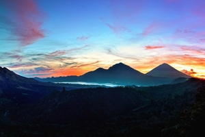 Mountains Sky Bali Sunrise Wallpaper