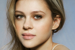 Nicola Peltz Closeup 4k Wallpaper