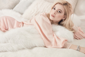 Nicola Peltz Vogue 2017 Wallpaper