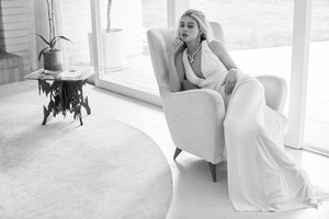 Nicola Peltz Vogue ES 2017 Wallpaper