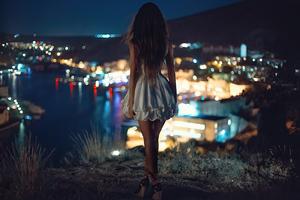 Night Alone White Skirt Girl Wallpaper