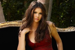 Nina Dobrev 8 Wallpaper