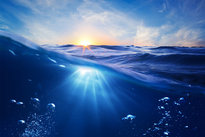 Ocean Clean Water Sun Rays Bubbles 5k