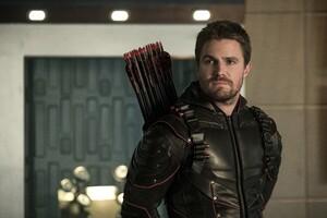 Oliver Queen As Arrow Season 6 2017