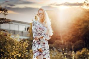 Olya Alessandra Model Outdoor In Nature 4k Wallpaper