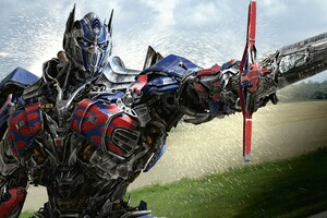 Optimus Prime In Transformers 4 Age Of Extinction Wallpaper