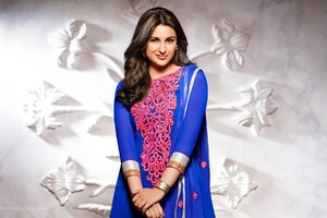 Parineeti Chopra 2 Wallpaper