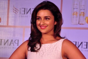 Parineeti Chopra 4 Wallpaper