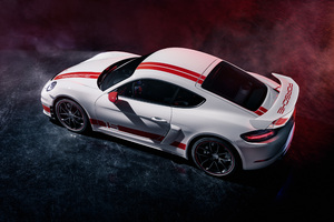 Porsche 718 Cayman GT4 Sports Cup Edition 2019 Side View