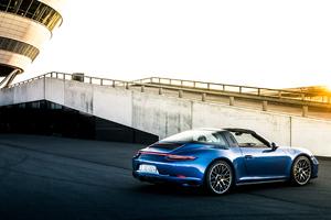Porsche 911 Targa GTS Wallpaper