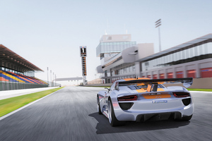 Porsche 918 RSR Concept Car Rear View