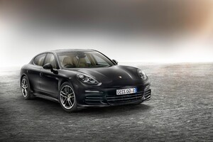 Porsche Panamera Edition Wallpaper