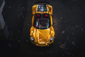 Porsche Spyder Gold Wallpaper