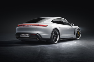 Porsche Taycan Turbo S 2019 Rear